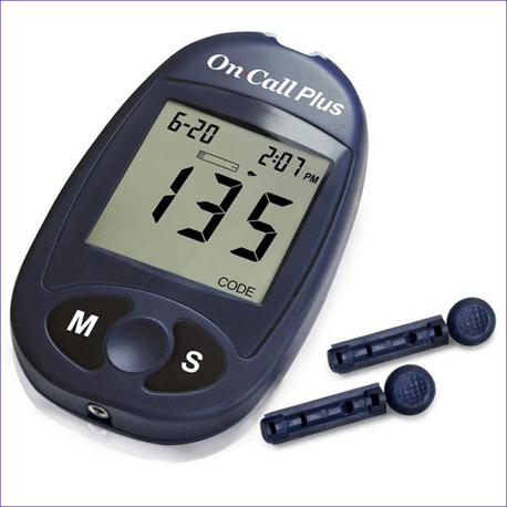 Máy đo đường huyết On Call Plus-Mỹ-Tặng 1 lọ 25 que thử- Hàng chính hãng